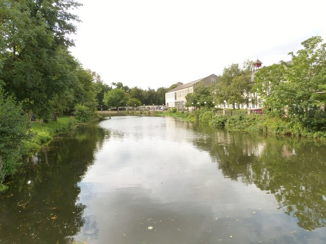 The River Avon from the High Street bridge, Chippenham