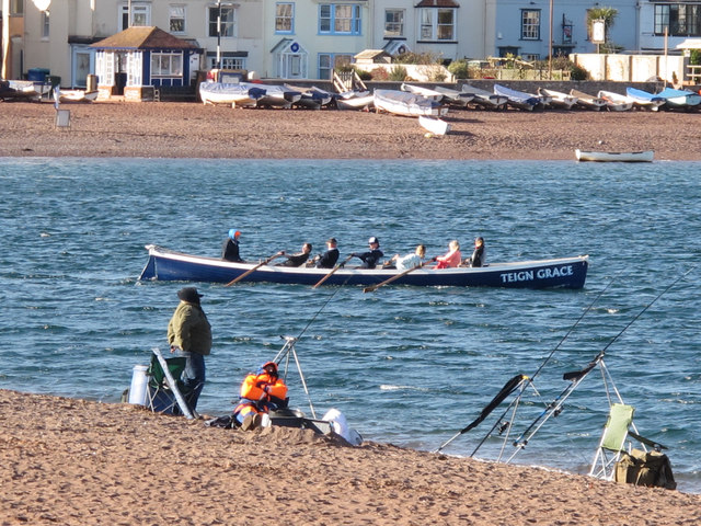 Gig reaches shelter of Teignmouth Harbour