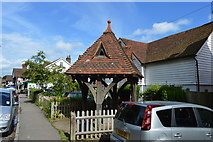 TQ5446 : Well House by N Chadwick