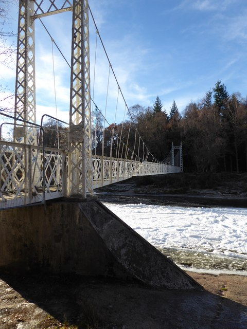 Flood-damaged footbridge at Cambus o'May
