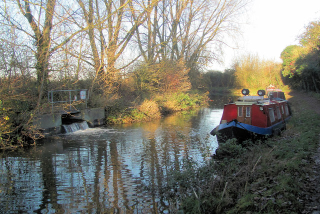 """Sewage"" outflow and the Lilly Ann on the Wendover Arm"