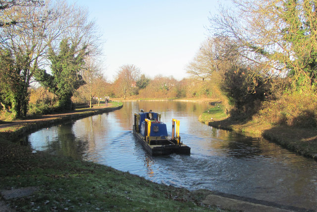 A dredger travelling along the canal toward Lock 41