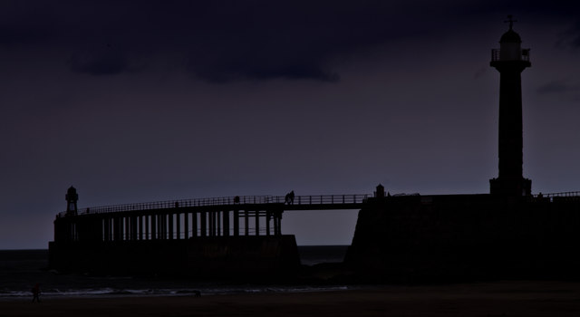 West Pier, Whitby