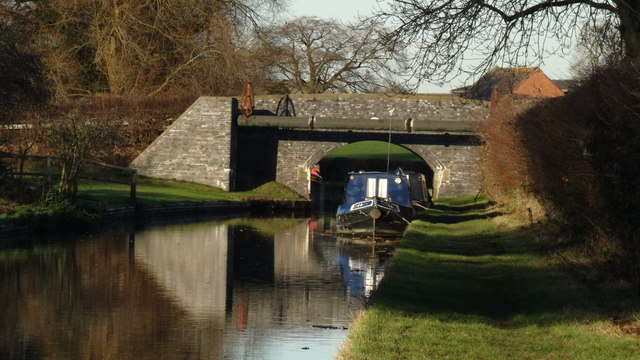 Llangollen Branch of Shropshire Union Canal at Wrexham Rd Bridge, Burland
