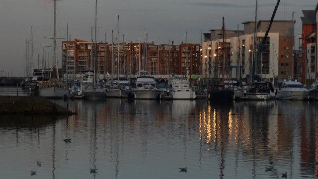 Portishead Marina - Yachts & apartments