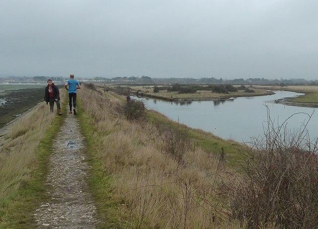 Sea wall north of Thorney Island