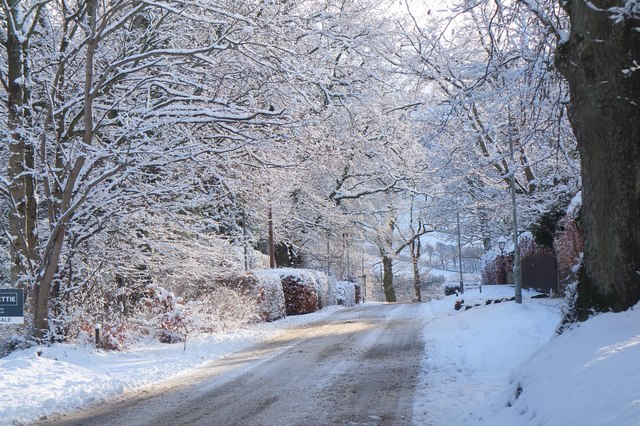 A snowy Bonnington Road, Peebles