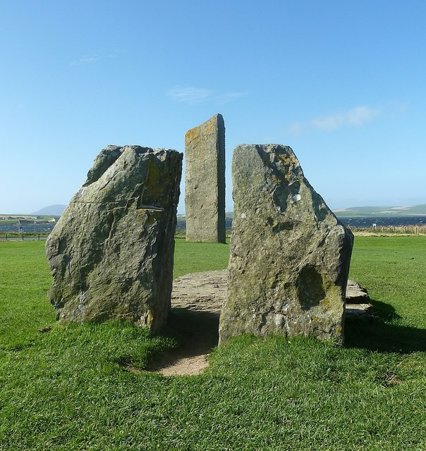 "Stenness - Looking through the ""hearth"""