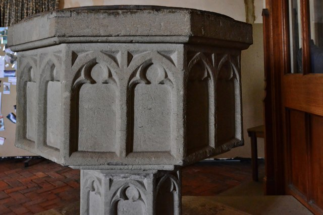 Westham, St. Mary's Church: The font (detail)