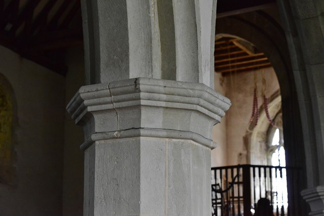 Westham, St. Mary's Church: Column detail