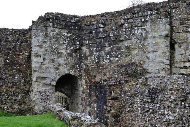 Pevensey Castle: Postern 2