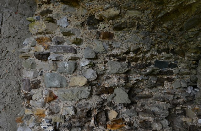 Pevensey Castle: East tower c1250 building detail