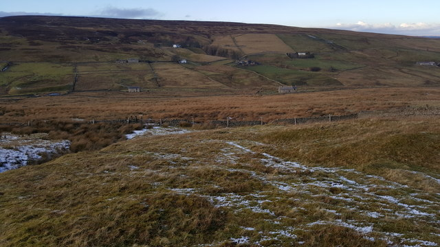 Footpath down to stile near Swinhope Edge