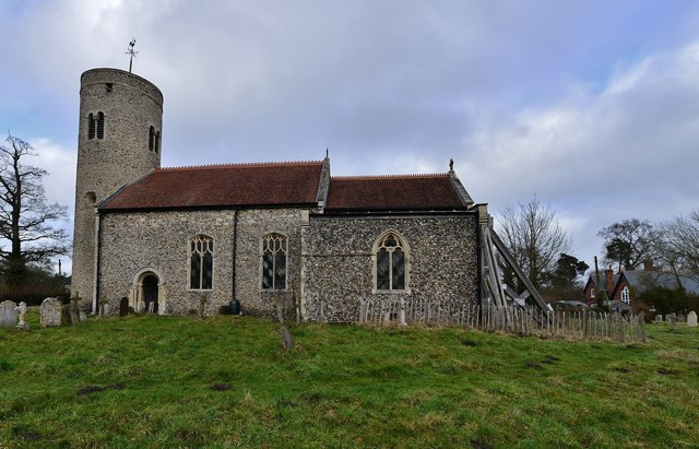 Gissing, St. Mary's Church: Southern aspect