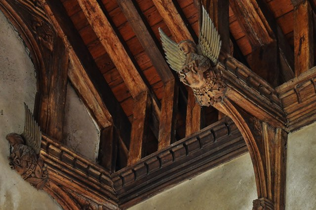 Gissing, St. Mary's Church: Angel roof with double hammerbeams 2