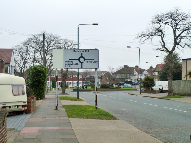 Roundabout ahead, Sidcup