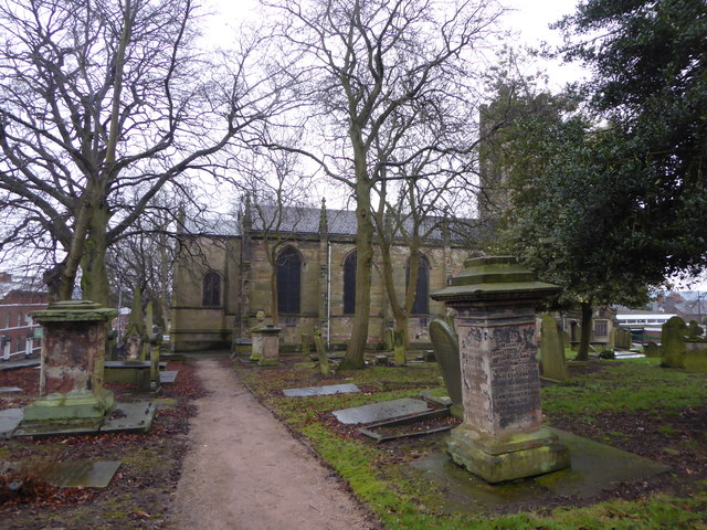 Newcastle-under-Lyme: St George's churchyard
