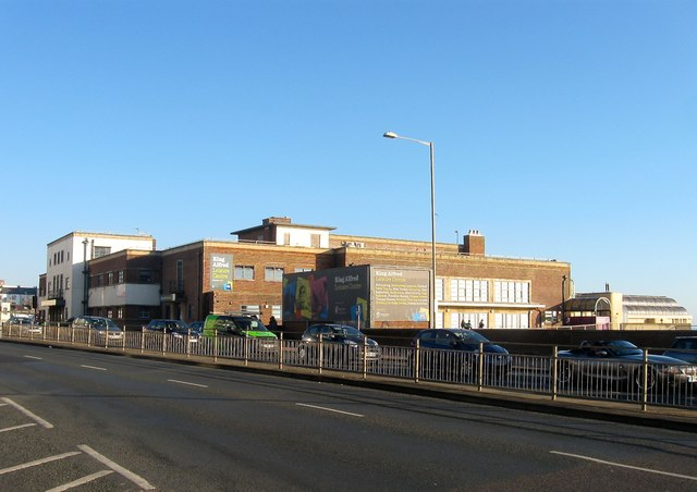 King Alfred Leisure Centre Kingsway Simon Carey Cc By Sa 2 0 Geograph Britain And Ireland