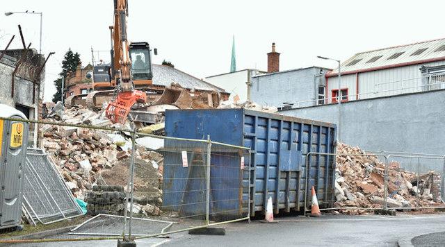 """The """"Stormont Inn"""" (demolition), Belfast - February 2017(6)"""