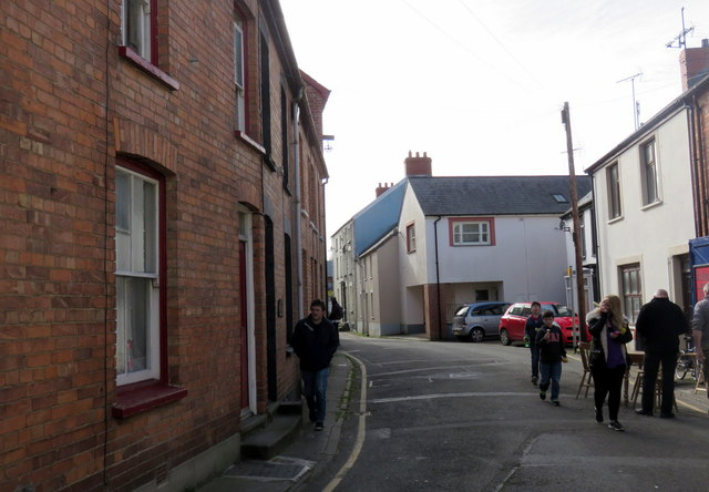 Terraced houses in the Mwldan