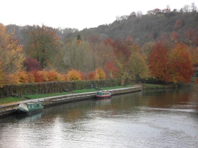 Narrowboats moored on the Thames at Goring
