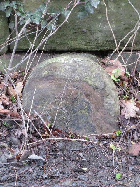A redundant Ward boundary stone in Sandy Lane