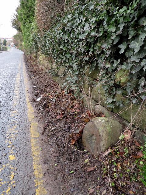 Redundant Ward boundary stone in Sandy Lane