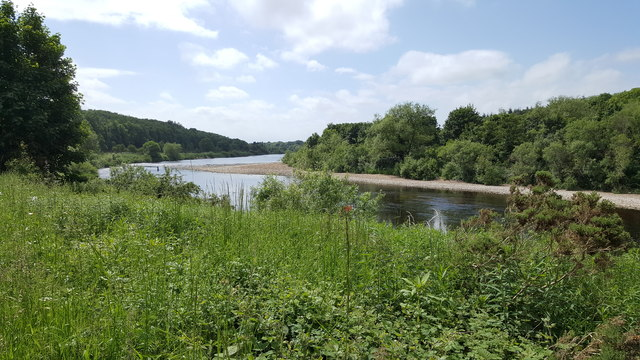 River Tyne upstream of Hagg Bank