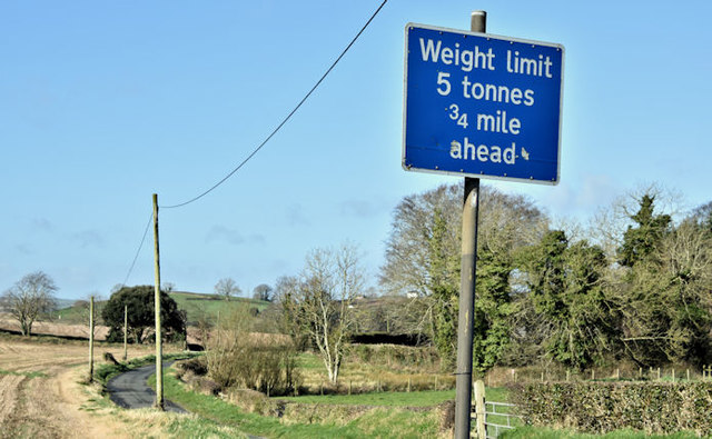 Weight limit sign, Ballyhenry Major, Newtownards/Comber (March 2017)