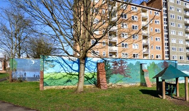 Strathearn Gardens Mural (4 of 6)