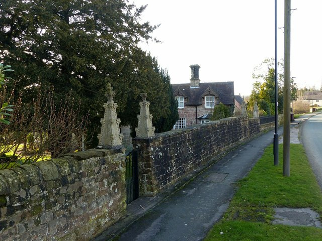 Adam Bede Cottage, with garden wall