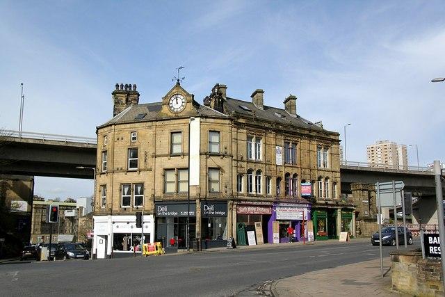 The corner of Cross Hills and North Bridge