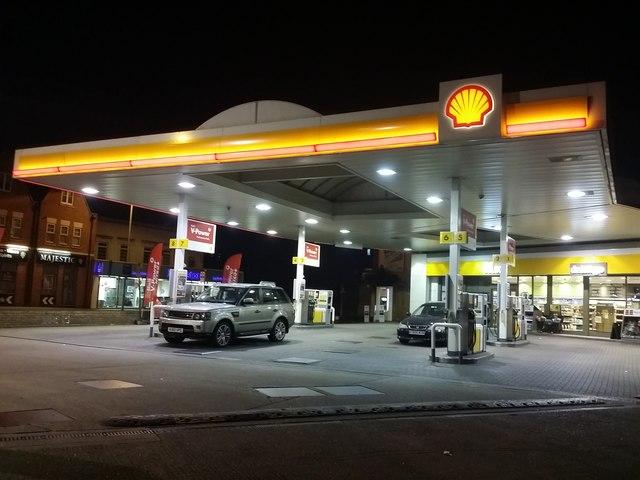 Shell garage by london road norbiton david howard geograph britain and ireland - Find nearest shell garage ...