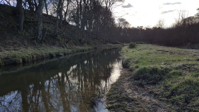Looking upstream of Howick Burn just before it meets the sea