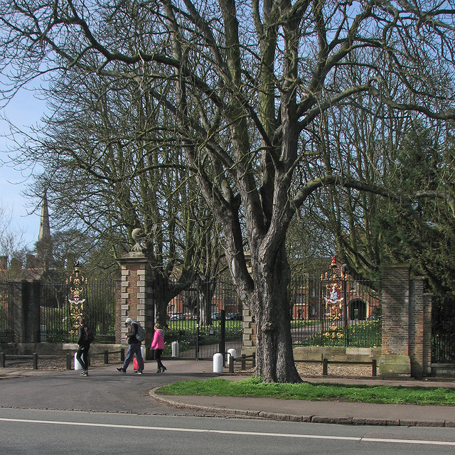 Jesus College gateway on Victoria Avenue