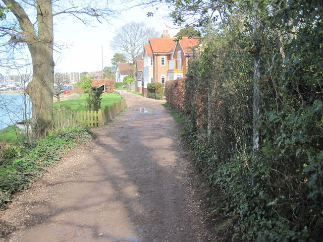 Footpath beside River Hamble near Lower Swanwick