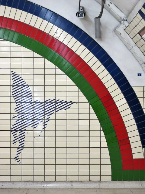 Piccadilly Circus tube station - ceramic tiles