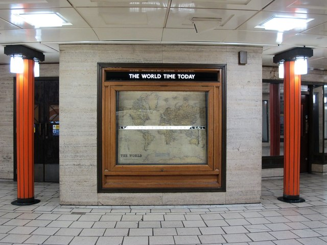 Piccadilly Circus tube station - linear world clock