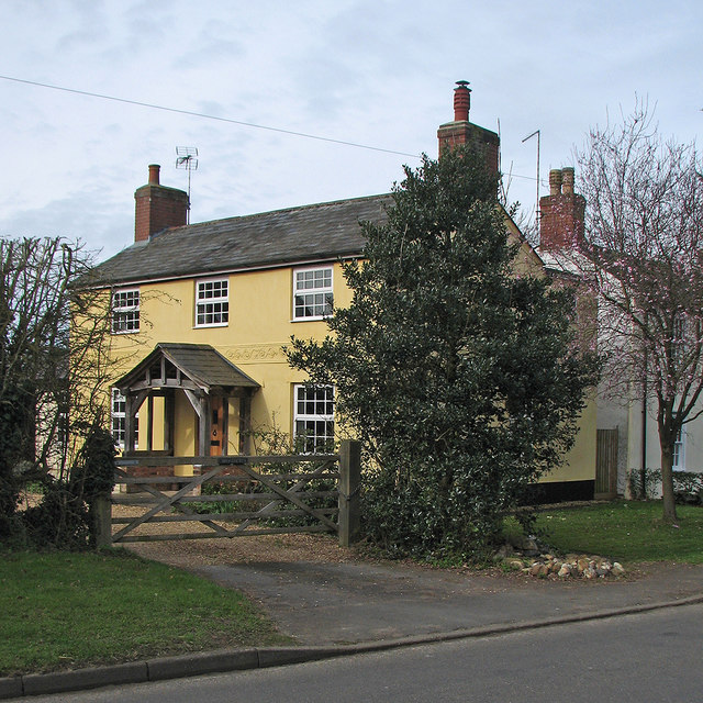 Brinkley: High Street houses