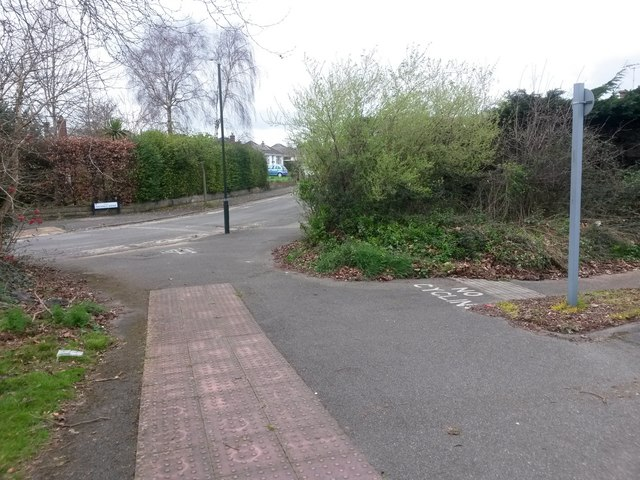 Bear Cross: footpath E02 to Finchfield Avenue