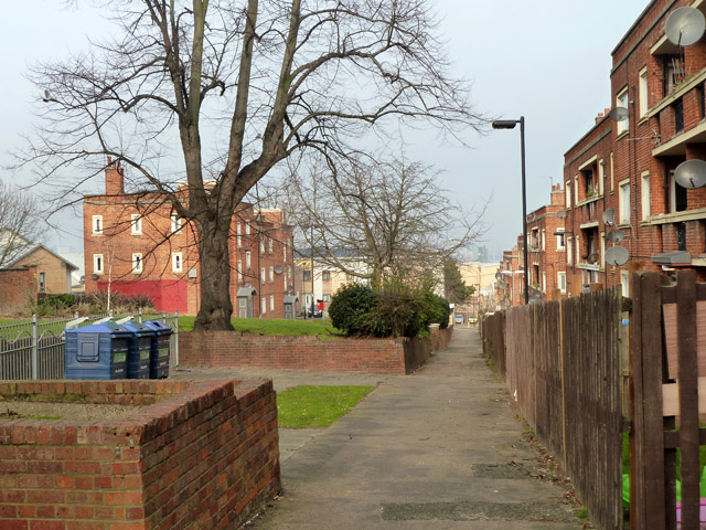 Path, Charlton Triangle estate