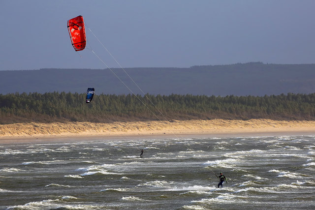 Kitesurfing at Burghead Bay