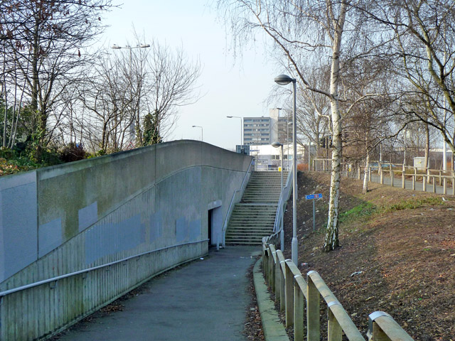 Pedestrian route to Kidbrooke station
