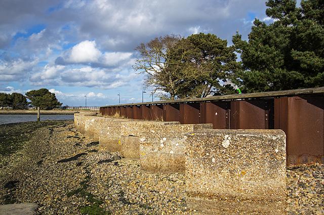 WWII Hampshire: Hayling Island - Langstone Bridge anti-tank blocks (2)