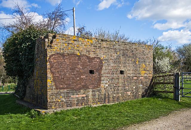 WWII Hampshire: Hayling Island - Havant Road pillbox (3)