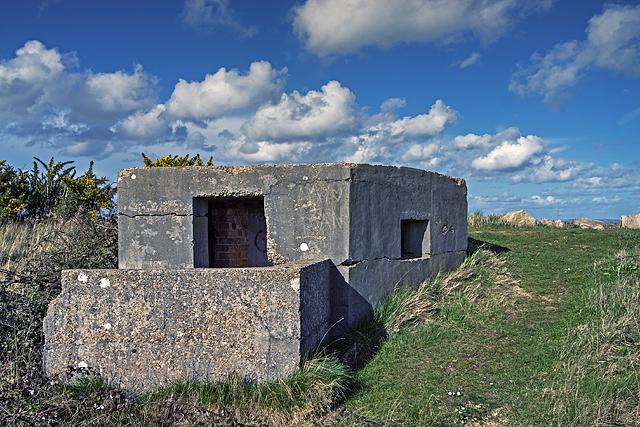 WWII Hampshire: Hayling Island - Mengham Salterns pillbox (22)