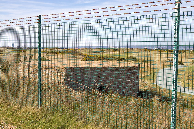 WWII Hampshire: Hayling Island - Sinah Common pillbox no.1 (24)