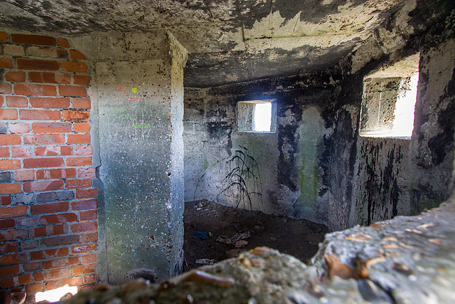 WWII Hampshire: Hayling Island - Sinah Common pillbox no. 2 (28)