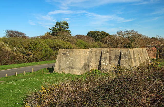 WWII Hampshire: Hayling Island - Sinah Heavy Anti-Aircraft Battery (38)