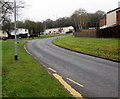 ST2795 : Bend in Hafren Road, Thornhill, Cwmbran by Jaggery